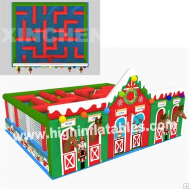 Inflatable christmas labyrinth
